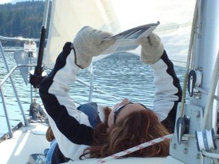 Lorella sailing with gloves